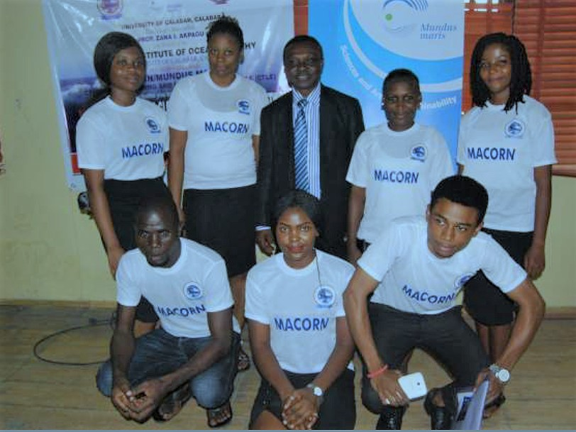 Prof. Francis Emile Asuquo, Coordinator MACORN with the students representatives of MACORN and Mundus Maris asbl
