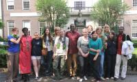 Gruppenphoto eines Teils derjenigen, die zur Ausstellung beigetragen haben