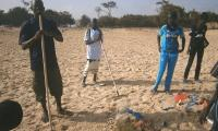 A moment of the beach clean-up operation in Cayar, 5 May, World Environment Day 2012